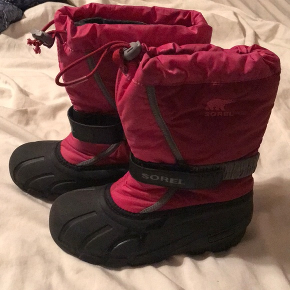 Sorel Other - Girls pink Sorel snow boots. Size 3